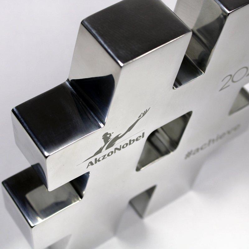 Metal Akzo 1