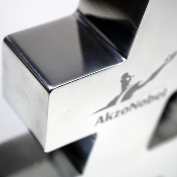 Metal Akzo 3